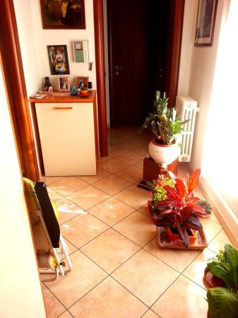 Bilocale Cantù Via Montello 4