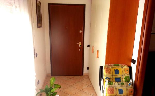 Bilocale Cantù Via Montello 5