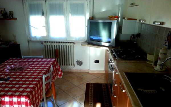 Bilocale Cantù Via Montello 6