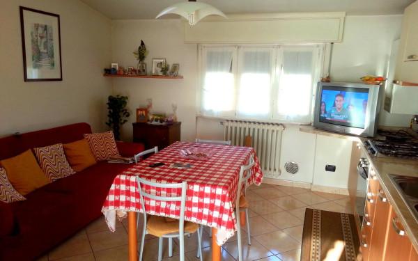 Bilocale Cantù Via Montello 7