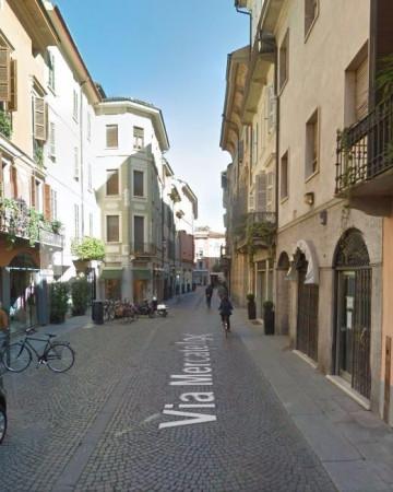 Negozio / Locale in affitto a Cremona, 2 locali, prezzo € 1.500 | Cambio Casa.it