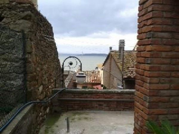 Casa indipendente in Vendita a Passignano Sul Trasimeno Centro: 5 locali, 100 mq
