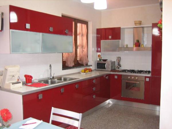 Villa in vendita a Massarosa, 6 locali, prezzo € 690.000 | Cambio Casa.it