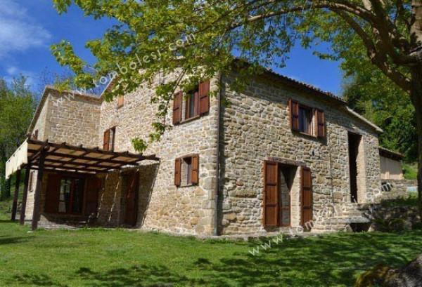 Rustico / Casale in vendita a Serra Sant'Abbondio, 6 locali, prezzo € 280.000 | Cambio Casa.it
