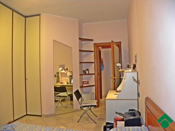 Bilocale Milano Via Camillo Ugoni 4