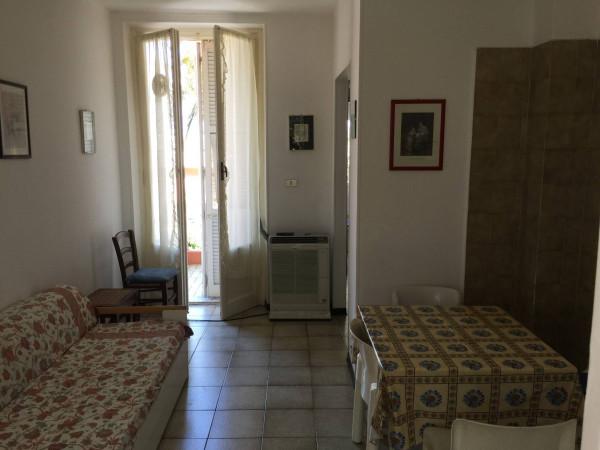 Bilocale Arenzano Via Mina 3