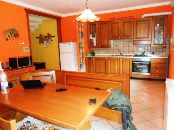 Villa in vendita a Albino, 6 locali, prezzo € 206.000 | Cambio Casa.it