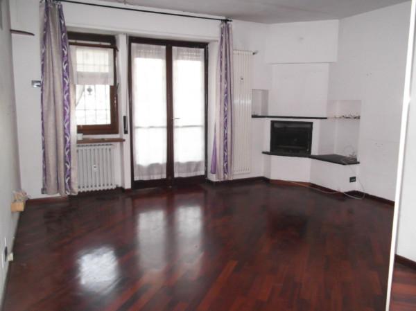 Bilocale Torino Via Venalzio 2