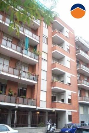 Bilocale Torino Via Venalzio 5