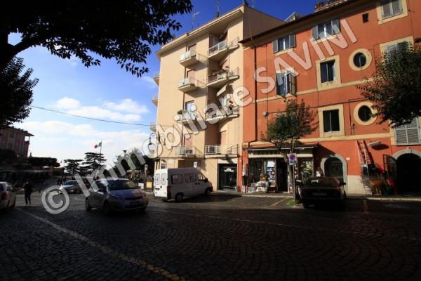 Appartamento in vendita a Genzano di Roma, 3 locali, prezzo € 139.000 | CambioCasa.it