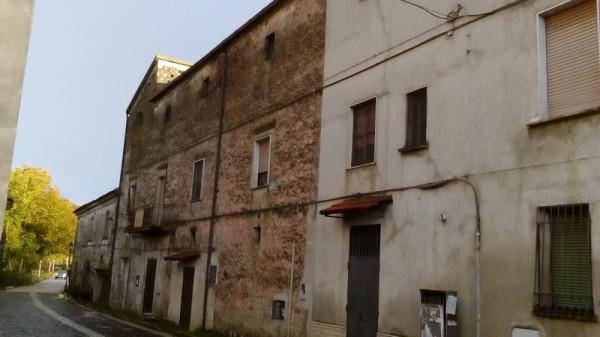 Palazzo / Stabile in vendita a Liberi, 4 locali, prezzo € 70.000 | CambioCasa.it
