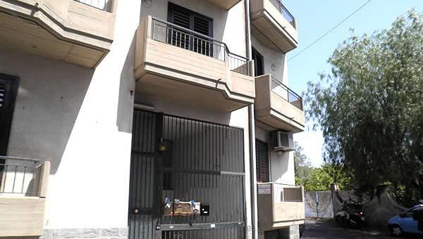 Bilocale Aci Castello Via Mollica 11