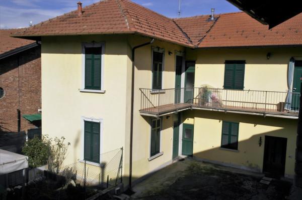 Appartamento in vendita a Travedona-Monate, 3 locali, prezzo € 99.000 | Cambio Casa.it