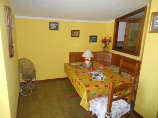 Bilocale Pomaretto Via Carlo Alberto 8