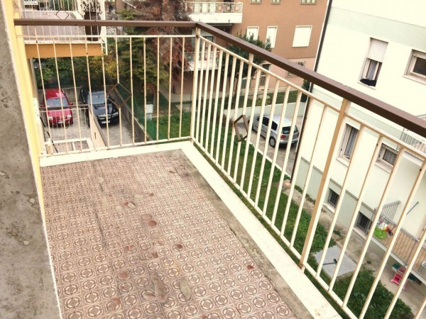Bilocale Padova Via Roberto Ardigò 7