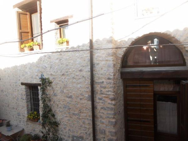 Soluzione Indipendente in vendita a Sant'Anatolia di Narco, 4 locali, prezzo € 160.000 | Cambio Casa.it