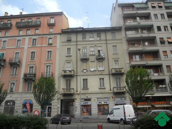 Bilocale Milano Viale Monza, 110 1