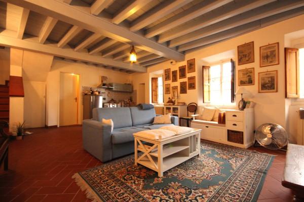 Bilocale Lucca Via Santa Croce 1