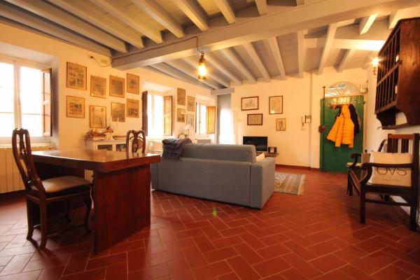 Bilocale Lucca Via Santa Croce 3