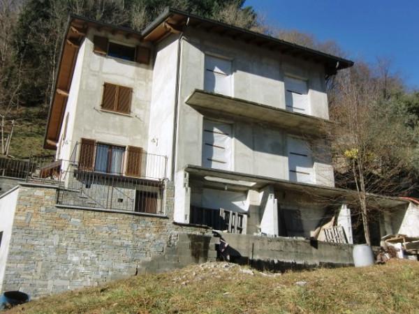 Villa in vendita a Valbrona, 4 locali, prezzo € 119.000 | Cambio Casa.it