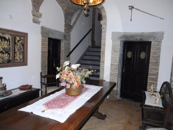 Palazzo / Stabile in vendita a Bevagna, 6 locali, prezzo € 500.000 | Cambio Casa.it