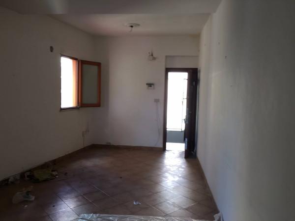 Bilocale Palermo Via Flavio Gioia 2