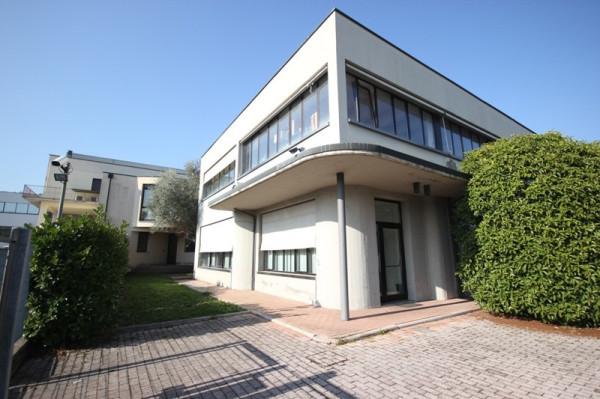 Capannone in affitto a Arcugnano, 9999 locali, prezzo € 4.500 | Cambio Casa.it