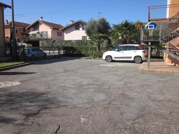 Bilocale Mercallo Via Eugenio Mattaini 10