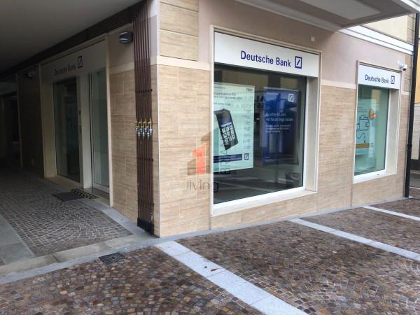 Negozio / Locale in vendita a Barzanò, 1 locali, prezzo € 210.000 | Cambio Casa.it
