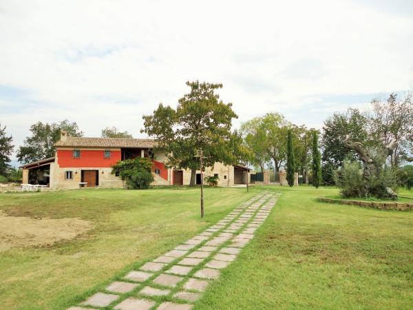 Rustico / Casale in vendita a Assisi, 6 locali, prezzo € 640.000 | Cambio Casa.it