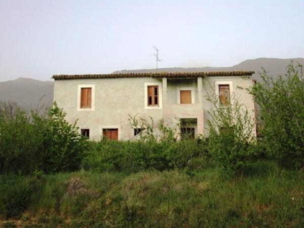 Villa in vendita a Assisi, 6 locali, prezzo € 250.000 | Cambio Casa.it