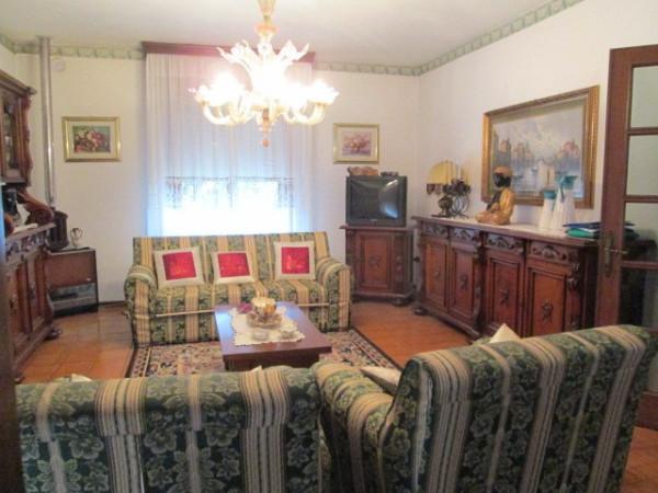 Villa in Vendita a Rio Saliceto Centro: 5 locali, 520 mq