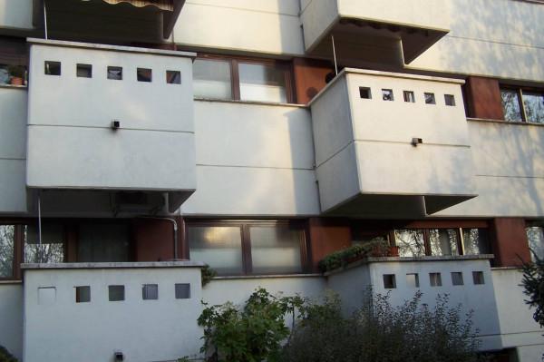 Bilocale Cesano Boscone Via Gioacchino Rossini 1