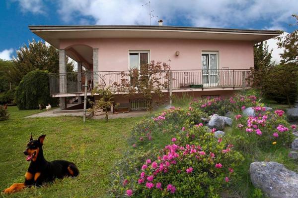 Villa in vendita a Arcisate, 5 locali, prezzo € 430.000 | Cambio Casa.it