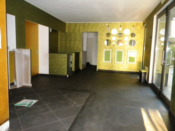 Negozio / Locale in affitto a Gallarate, 3 locali, prezzo € 1.700 | CambioCasa.it