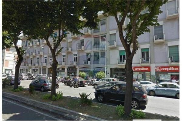 Negozio / Locale in vendita a Messina, 6 locali, prezzo € 495.000 | Cambio Casa.it