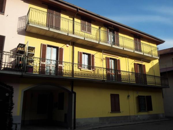 Bilocale Fenegrò Via Roma 3
