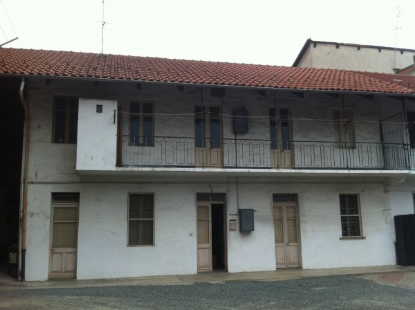 Rustico / Casale in vendita a Caselle Torinese, 4 locali, prezzo € 139.000 | Cambio Casa.it