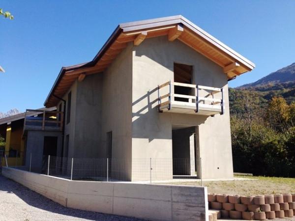 Villa in vendita a Valbrona, 4 locali, prezzo € 285.000 | Cambio Casa.it