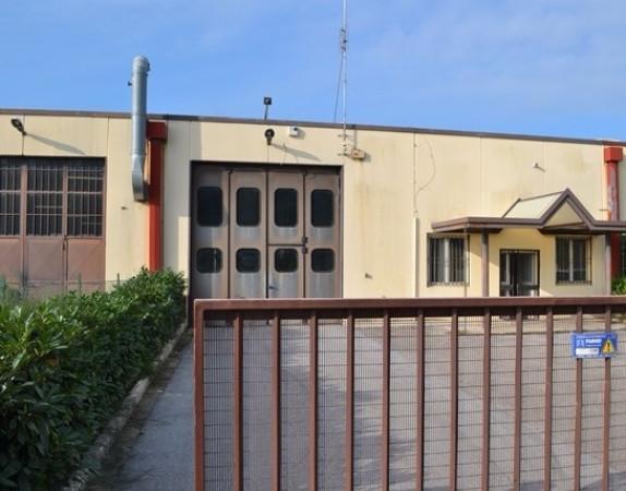 Capannone in Vendita a Magione: 3 locali, 480 mq