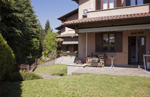 Villa a Schiera in vendita a Missaglia, 6 locali, prezzo € 299.000   Cambio Casa.it
