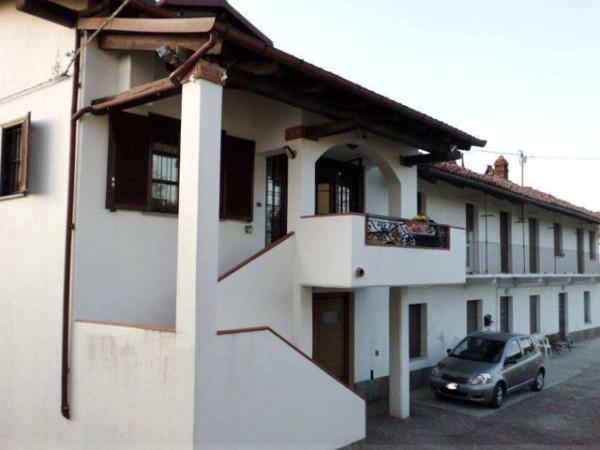 Rustico / Casale in vendita a La Morra, 6 locali, prezzo € 170.000 | CambioCasa.it