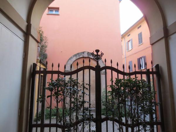 Bilocale Bologna Via Solferino 3