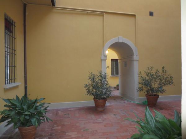 Bilocale Bologna Via Solferino 4