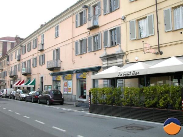 Bilocale Pinerolo Piazza Roma, 6 2