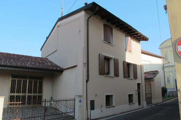 Bilocale Trenzano Via Castello 2