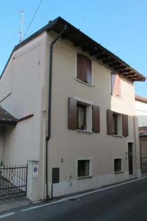 Bilocale Trenzano Via Castello 3
