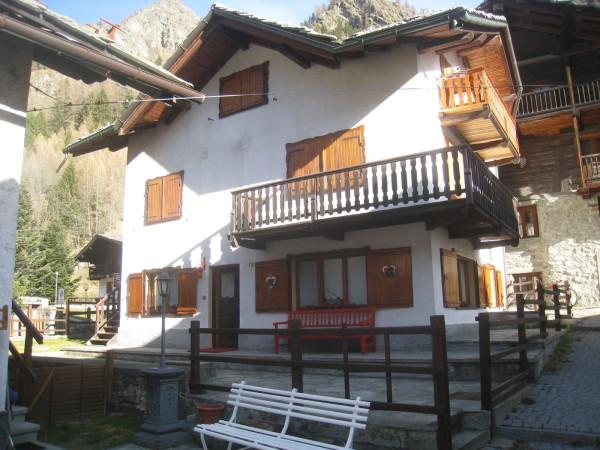 Appartamento in vendita a Gressoney-Saint-Jean, 4 locali, prezzo € 290.000 | Cambio Casa.it