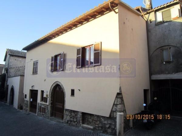 Palazzo / Stabile in vendita a Tarquinia, 6 locali, Trattative riservate | Cambio Casa.it