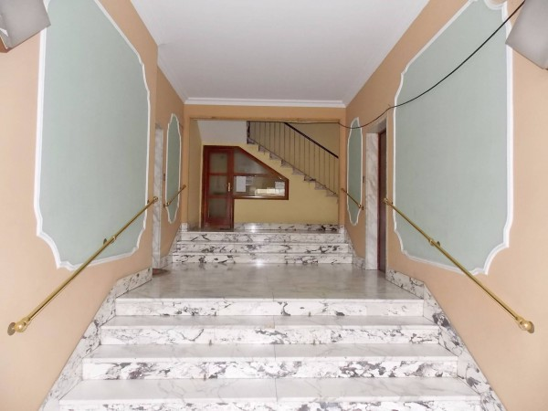 Bilocale Genova Via Digione 10